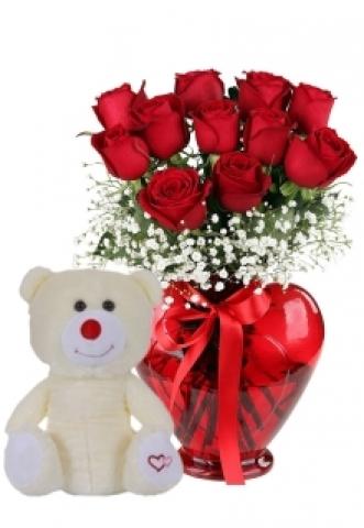Kalp Vazoda Ayıcıklı Güller 1