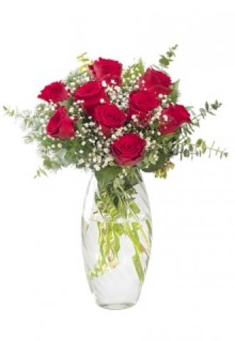 Vazoda Kırmızı Güller 3