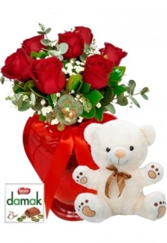 Kalp vazoda Ayıcıklı Güller