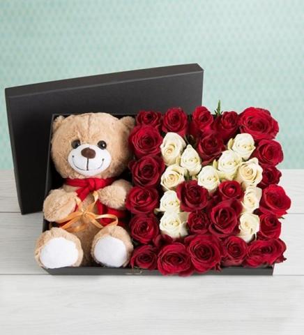 Ayıcıklı kutu da güller